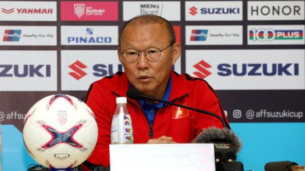 Trước trận đấu quan trọng, Việt Nam bị phạt 10.000 USD vì sai sót khó tin