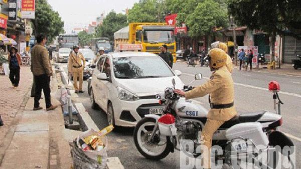 Từ ngày 15-12, tổng kiểm tra hoạt động taxi tại Việt Yên