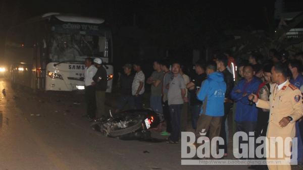 Tân Yên (Bắc Giang): V.a chạm với xe chở công nhân, 2 thanh niên t.ử v.ong thương tâm