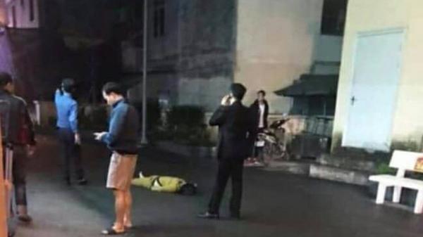 Hà Nội: Một phụ nữ r.ơi từ tầng 19 chung cư xuống đất t.ử vo.ng