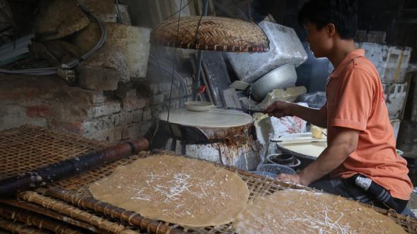 Chùm ảnh: Đến thăm làng Thổ Hà làm bánh đa nướng nổi tiếng miền Bắc