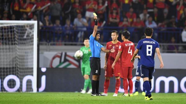Cận cảnh tình huống VAR can thiệp khiến Việt Nam phải chịu penalty