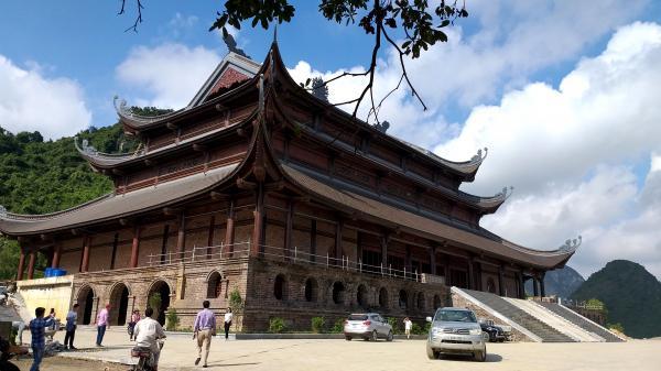 LƯU Ý khách tham quan Chùa lớn nhất thế giới ở Việt Nam trong thời gian này