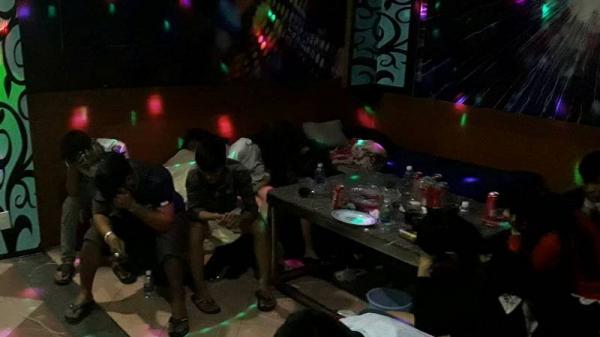 Bắc Giang: Tạm giữ đối tượng t.àng trữ, sử dụng t.rái phép chất m.a t.úy trong quán karaoke