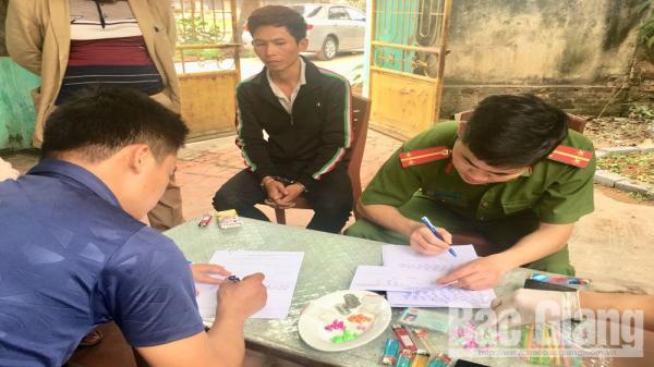 Lạng Giang (Bắc Giang): Bắt đối tượng đang mang m.a t.úy đi bán cho khách