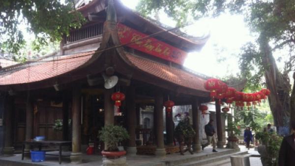 Đền Mẫu (Hưng Yên) - ngôi đền quanh năm được người dân cả nước về dâng hương