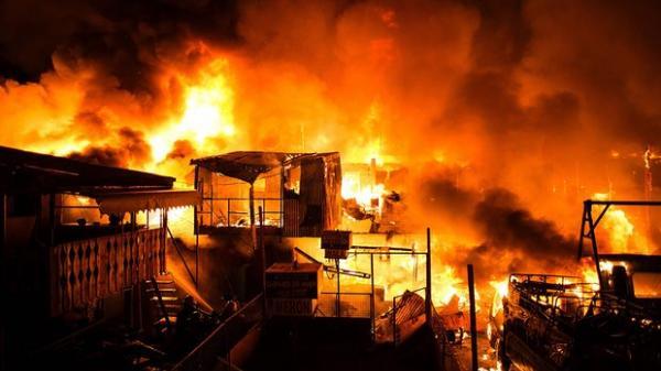 NÓNG: Chiều nay, cháy kho chứa xốp tại Lục Ngạn (Bắc Giang)