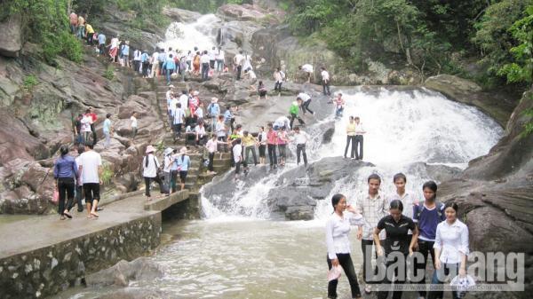 Lễ hội đền Suối Mỡ - điểm đến hấp dẫn ở Bắc Giang