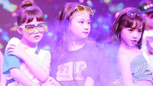 Dàn nhóc tỳ siêu đáng yêu khuấy đảo sàn diễn Sắc màu mùa Hạ 2019 tại Bắc Giang