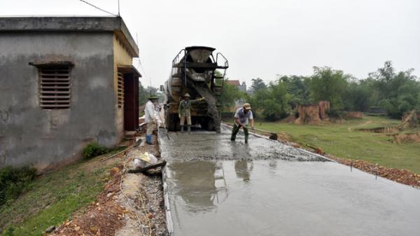 Tân Yên: Cứng hóa đê điều trước mùa mưa