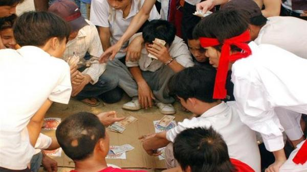 """Bắc Giang: Triệt phá sới bạc """"khủng"""" tại vùng quê"""