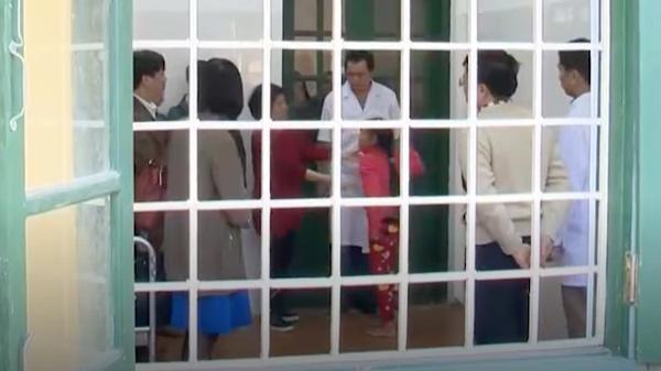 Chuyên gia BV Nhi TƯ nhận định, 9 học sinh tại Bắc Kạn có biểu hiện bất thường do rối loạn phân ly tập thể