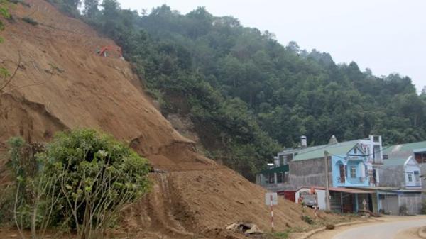 Tiềm ẩn nguy hiểm khi đào núi làm nhà tại Bắc Kạn