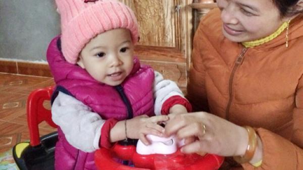 Rơi nước mắt trước hoàn cảnh của em bé mắc bệnh hiểm nghèo tại Bắc Kạn