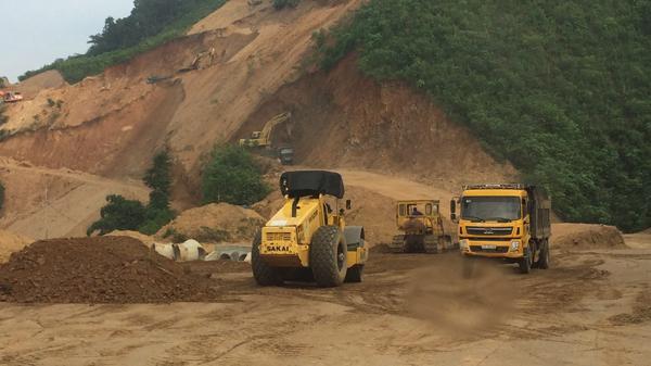 Đẩy nhanh tiến độ hoàn thành dự án đường HCM đoạn qua Chợ Mới (Bắc Kạn) - Chợ Chu
