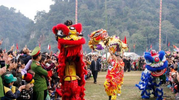 Bắc Kạn: Choáng ngợp trước không khí tưng bừng, rộn ràng của lễ hội Lồng tồng Ba Bể năm 2018