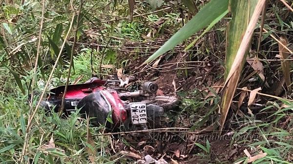 Bắc Kạn: Kinh hoàng xe môtô gặp tai nạn lao xuống vực sâu