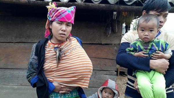 Xót xa số phận đắng cay của người mẹ trẻ có một bên ngực to lạ thường