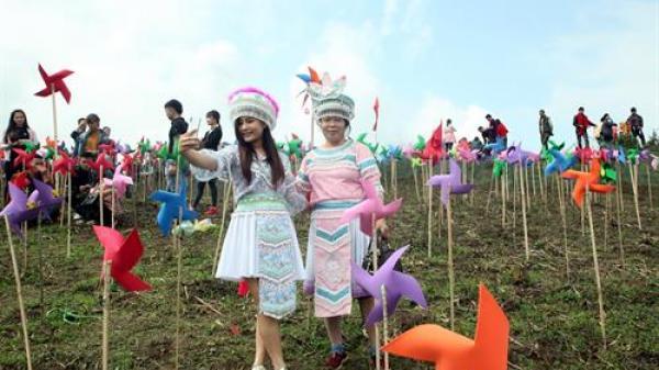 Đặc sắc lễ hội Mù Là của người Mông ở Bắc Kạn