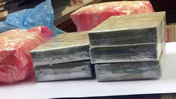 Công an Bắc Kạn bắt giữ nhóm vận chuyển trái phép ma túy với khối lượng lớn