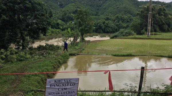 Bắc Kạn: Sạt lở đất đe dọa đường điện 110kV