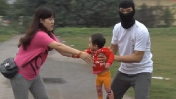 Sự thật vụ bắt cóc trẻ em tại xã Hà Vị, huyện Bạch Thông gây chấn động