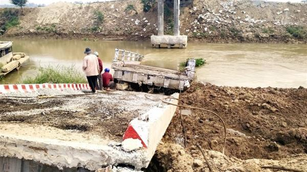 Đồng Tháp: Họp xử lý sự cố công trình cầu trên địa bàn huyện Hồng Ngự
