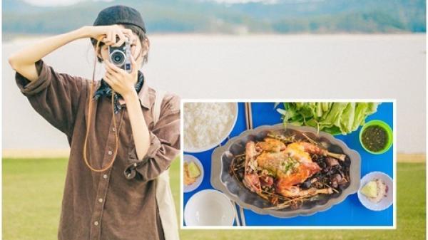 Chàng trai An Giang chụp ảnh sống ảo trên đường tìm món gà đốt trứ danh