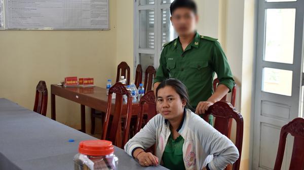 An Giang: Bắt giữ đối tượng vận chuyển số lượng lớn vàng, ngoại tệ về Việt Nam