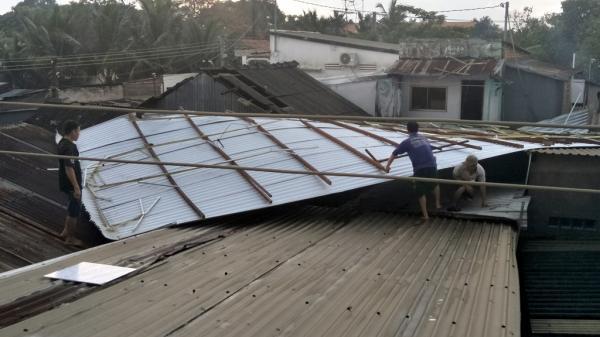 An Giang: Giông lốc làm tốc mái nhiều căn nhà ở Phú Tân