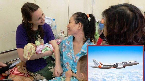 Máy bay chuẩn bị cất cánh phải quay đầu cấp cứu nữ du khách mang thai