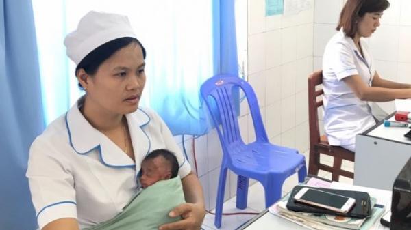 An Giang: Bé sơ sinh 1kg mắc bệnh nặng, bị bỏ rơi ở bệnh viện