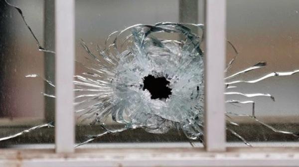Thu giữ 1 viên bi sắt trong nghi vấn 2 vết đạn xuất hiện tại TAND tỉnh An Giang