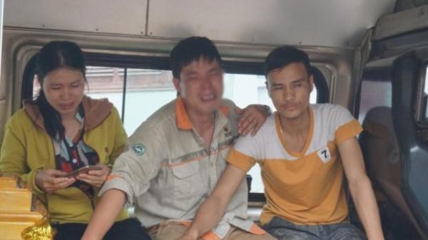 Chồng đau đớn ôm di ảnh cùng người thân đưa thi thể 3 mẹ con sản phụ bị xe tải cuốn tử vong về quê nhà