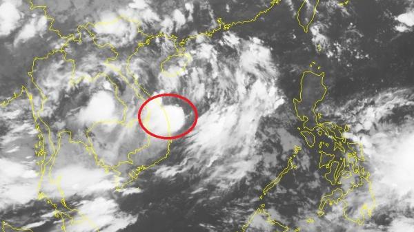 Áp thấp nhiệt đới di chuyển lên phía Bắc, cả nước mưa lớn