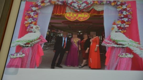 Lạ lùng: Những đám cưới không có… cô dâu chú rể xuất hiện