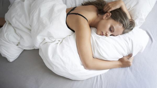 Bạn sẽ ngưng nằm sấp khi ngủ nếu không muốn gặp phải những vấn đề sức khỏe nghiêm trọng