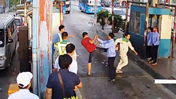 Thái Bình: Công an triệu tập 2 tài xế tông gãy barie ở BOT Tân Đệ