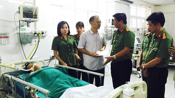 Truy bắt tội phạm về ma túy một cán bộ Công an quê Nam Định bị đâm thấu ngực