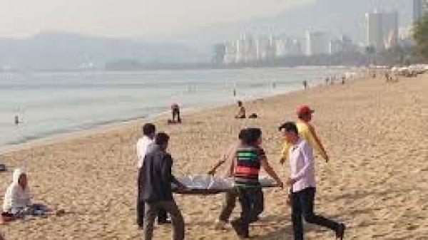 Nóng: Đi nghỉ mát, người đàn ông đột quỵ tử vong ở biển Thịnh Long – Nam Định