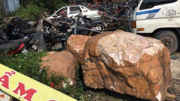 Chuyện lạ có thật: Nhặt tảng đá ven đường… bất ngờ lĩnh án tù