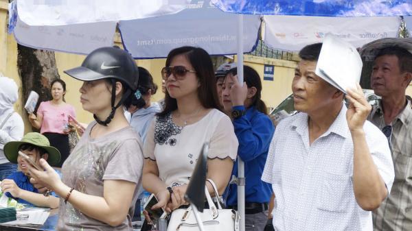 """Nam Định: Con trượt trường chuyên, mẹ """"tự kỷ"""" cả tuần không tiếp xúc với ai"""