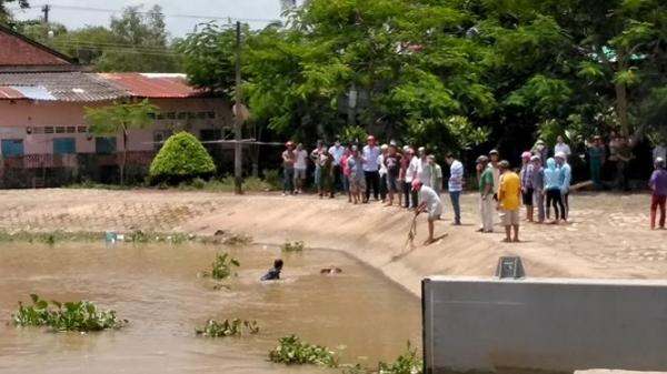 Phát hiện thi thể người đàn ông nằm úp mặt trên sông