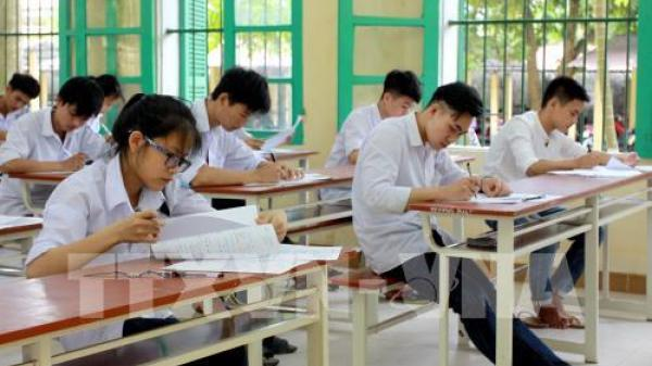 Thái Bình: Mang điện thoại vào phòng thi, 2 thí sinh bị đình chỉ