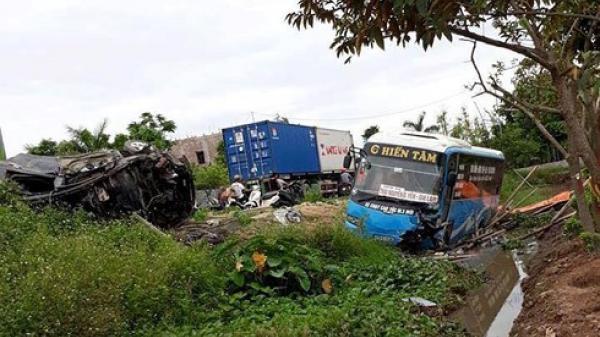 Thái Bình: Thông tin chính thức vụ TNGT xe khách đấu đầu xe con