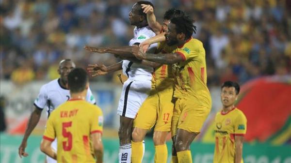 """Nam Định """"cá chép hóa rồng"""" thoát khỏi cuối bảng, khiến đội bóng nhà giàu thua đau đớn"""
