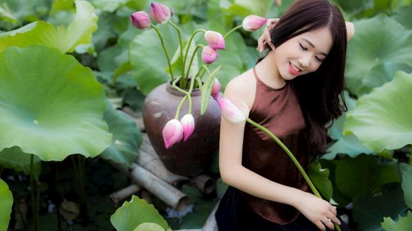 """9X quê Nam Định xinh đẹp, """"vừa làm vừa chơi"""" vẫn sống sung túc từ nghề mẫu ảnh!"""