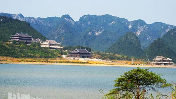 """Ngay gần Nam Định có """"Hạ Long trên cạn"""" đẹp ngỡ ngàng sắp mở cửa đón khách"""
