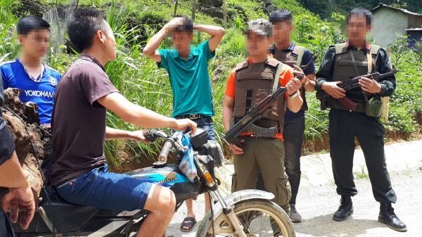 Chiêu thức kiểm soát đàn em cực kỳ tinh quái của trùm ma túy khét tiếng ở Lóng Luông