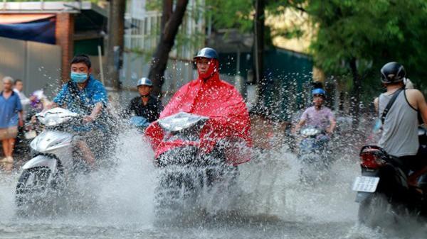 Tạm biệt nắng nóng kỉ lục, mưa giông về giải cứu miền Bắc rồi!
